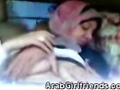 Perversen neckt seine Amateur- Arab von GF vor sein neue Kamera