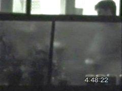 Erkek balkonda geceleri aletini dokunma yakalanan