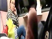 Knepig deckare blinkar allmänt tåg MILF vilka du tittar på
