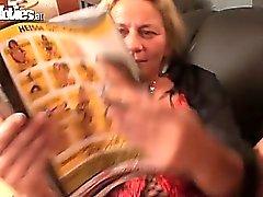 Abuelita climax de una correa en el puto