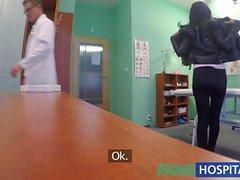 FakeHospital Geile russische Babe Streifen und fickt ihren Arzt