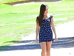 Дженна.- красотка парка бурых волосами синицы киску