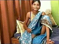 Puhjai - Mooie 19 jaar Indiase tiener