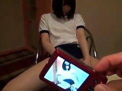 Японский подросток играющая волосатая пизда