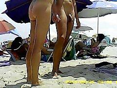 Naked День на пляже