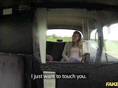 Fake Taxi süße Blondine nimmt großen Schwanz