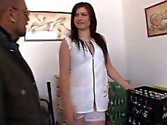 Tania en brunett fucked hos vita strumpor