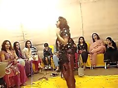 Düğünde sıcak Pakistanlı teyze dans ..