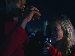 BLACKEDRAW BF com fantasia de corno compartilha namorada loira