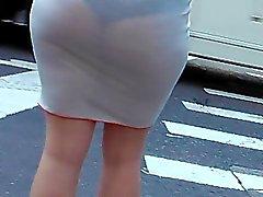 weißen Steck schwarze Kleid Unterhosen sehen