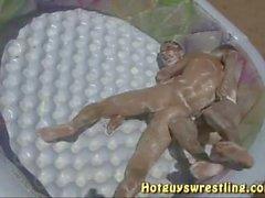 teen boy nackt wrestling