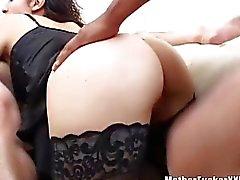 Aziatische Huisvrouw hard geneukt