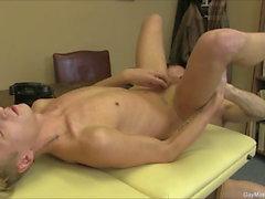 Massages Hot Gay Stud baise et pipe