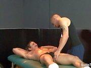 Соблазнительно жокея Лэндон Mycles получает задницу играл и крана всасываемый веселым