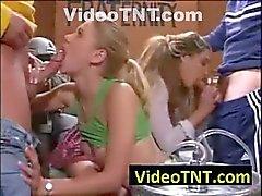 College School Girls pubblica Orgia Porno