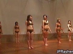 Super heiße Japanerinnen blinkt
