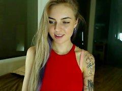Красивая веб-камера Teen Ever Она выглядит как Tori Black