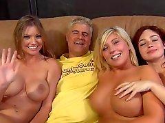 Три пупсики Оргии с парнями