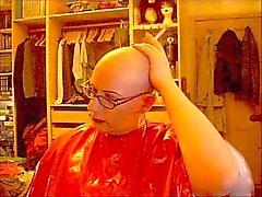 Bald и курение по резины мысе