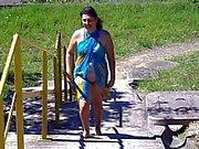 Brasilianischer Weib blinken sich am Strand