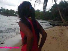 Ameteur Tiny Teen Heather Profundamente na praia dar deepthroat