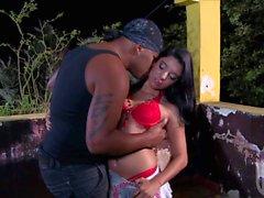 Interracial Analsex mit grossem Klitoris Girl Kelly Amaral