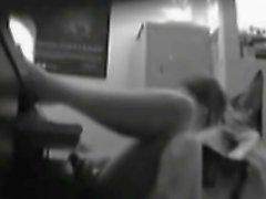 Шпионя моя сестра, играющая ее киску
