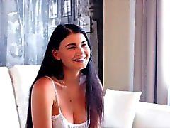 Entrevista con una estrella de la pornografía - Lucy Li -