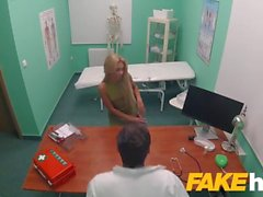 Fake Hospital Sweet blonde ryska äter docs cum efter doggystyle fucking