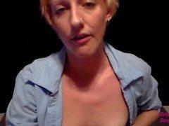 Seksi bir Hostes hanım Göğüsler hakkında Hemde VIP Muamele Fotograflı göster Blowjob ve Cumshot veriyor