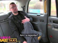 Female Fake Taxi Reporter reçoit une boule de sexe chaud
