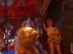 Bög lesbisk kvinna Blont docka Lexi Lamour samt Sammie för Rhodos stad