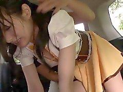 Baby japanese pequenas com a buceta peluda apontou