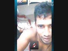 Kerala Hunk zeigt seinen Schwanz-1