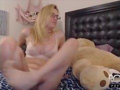 Sexig blond shemale leker online