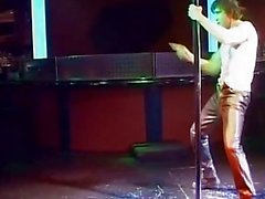 Dirty Slut becerdin sahnedeyken alır