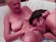 Nonna Biondo amano leccare e slurp su di Nob principali il suo vecchio dell'uomo prima di venire nella bocca