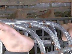 Kananpoika on tukittu kanssa tikka täytetyt hänen elinvoimainen pimppi