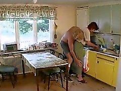 Oma Fucks des Aufenthaltsraum wird die Kitchen