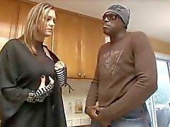 Lexington Steele gets all bull on housewife.