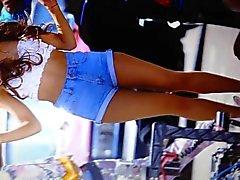 Ariana Grande Daisy Dukes und Strumpfhose Sperma Hommage