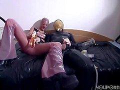 Kinky Latex Pumping