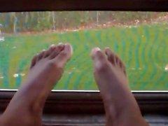 Metros ! Pies ! Los pies !