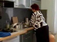 Fett Mollige Frauen Großmutter in der Küche gefickt zu