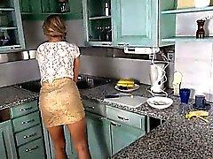 Itsensä preasuring jossa on leluja keittiökirjoittimelle