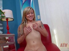 Playful Teen Ayla Marie pulls off her jeans and panties