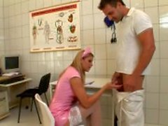 Naughty Nurse si di lunghezza