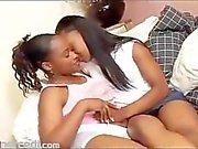 bois d'ébène amusement les lesbiennes après séance d'entraînement