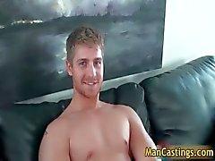 Hübsche Gesicht Homosexuell Gestüt Logan erfolgt starren