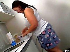 Se folla a una Gordas la cocina realmente duro